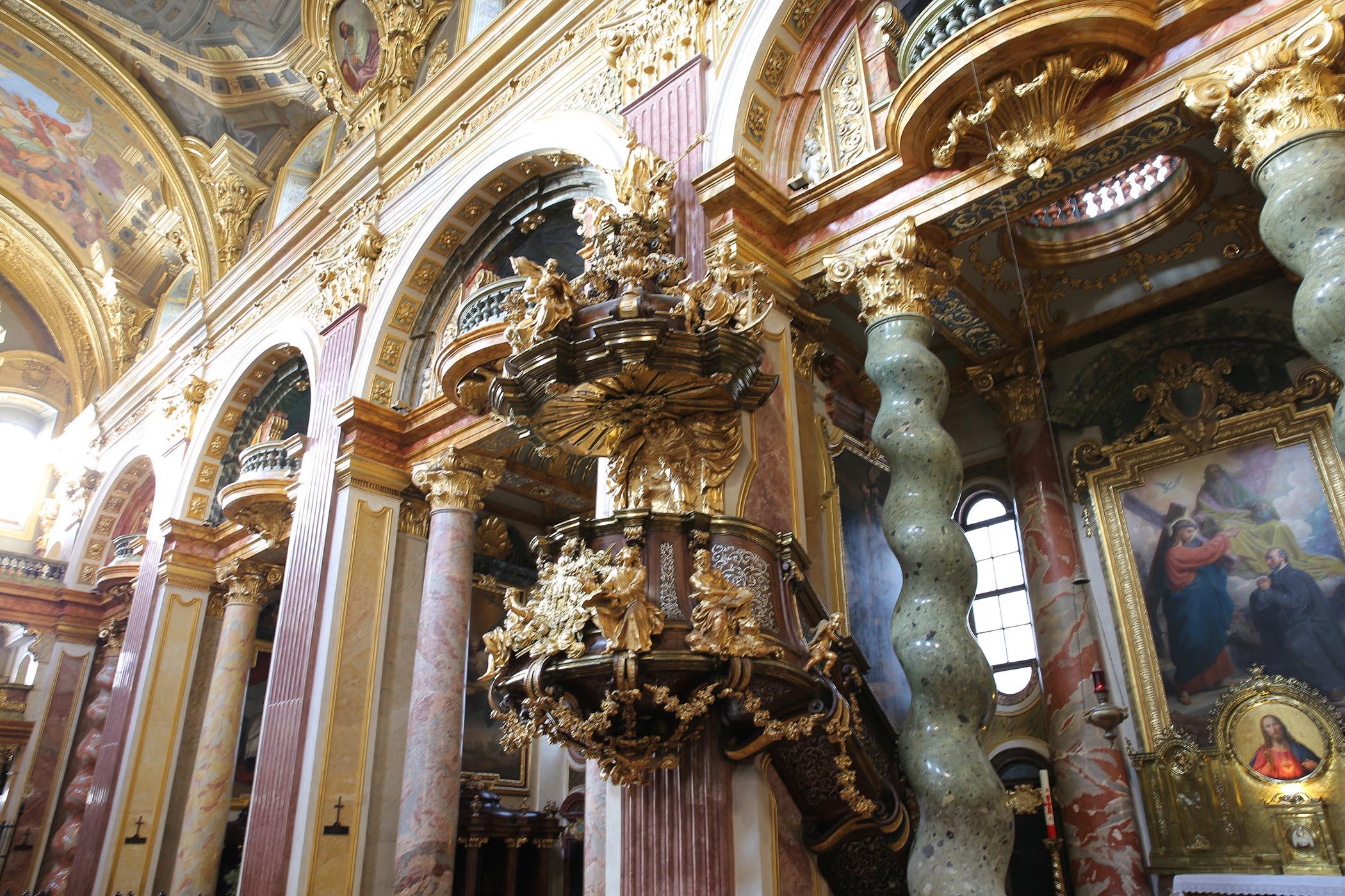 jesuitenkirche 12